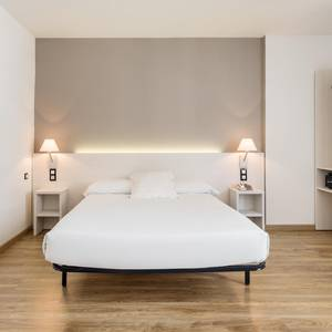 Disabled accessible room Hotel ILUNION Valencia 3 Valencia